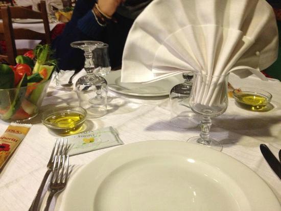 Hotel Ristorante La Perla: TAVOLA AL NOSTRO ARRIVO