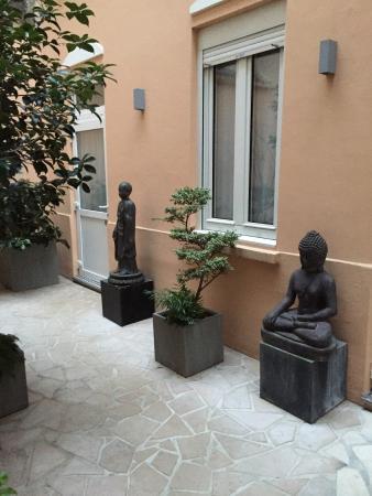 Aberotel Montparnasse: Cour intérieure