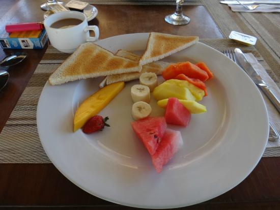 Hotel Coco Beach & Casino: déjeuner continental inclus????