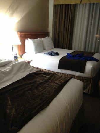 quarto 2 camas queen size