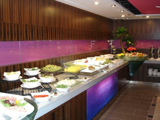 Holiday Inn Downtown Beijing: Café da manhã
