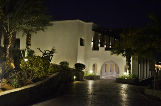 Great architecture picture of cove rotana resort ras al for Home of architecture ras al khaimah