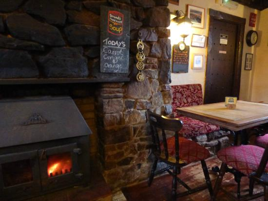 The Strands Inn: warm fires