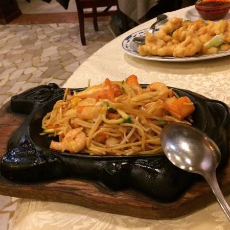 Il Mandarino: Spaghetti alla piastra com gamberetti!