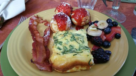 Serendipity Ranch Bed and Breakfast : Breakfast was really tasty!  I hope she makes a cookbook for sale!!