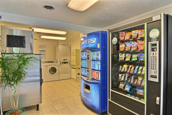 Motel 6 Altoona: Vending