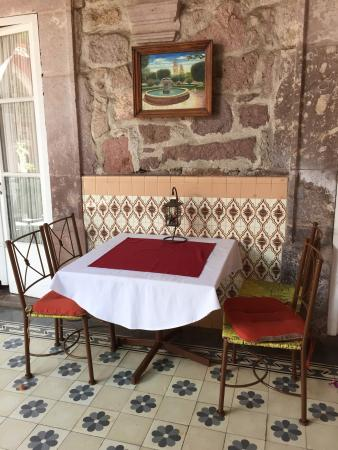 Casa Limonchelo: One of many cozy places to enjoy a meal or coffee