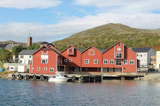 Batsfjord Brygge AS: Sommer bilde av Båtsfjord Brygge