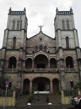 ‪Sacred Heart Cathedral‬