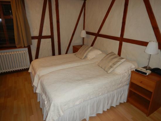 Hotel Fron: Room