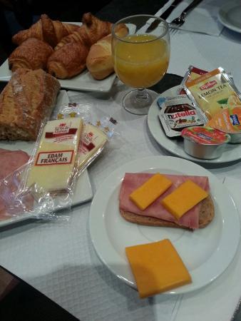 Hotel Boronali: Scorpacciata di formaggi francesi!