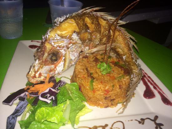 La Ola Restaurant: Fried Fish!