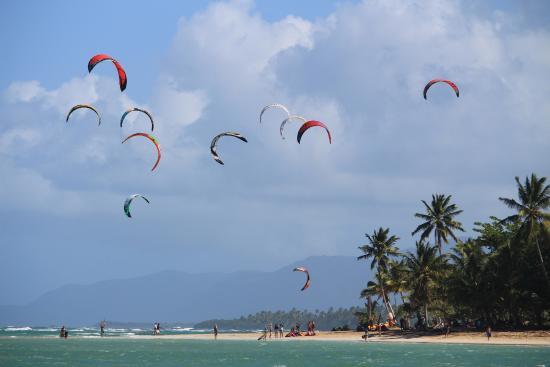 Playa El Portillo : kite surfers