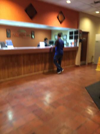 Howard Johnson Hotel Ponce PR: Lobby area