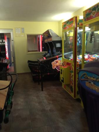 Howard Johnson Hotel Ponce PR: Game room