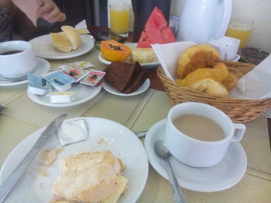 Pousada Villegaignon: Café da manhã.