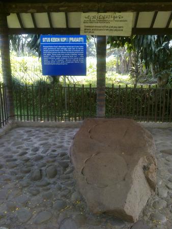 Situs Tapak Gajah