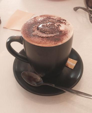 Vans Cafe & Deli: Large Cappucino