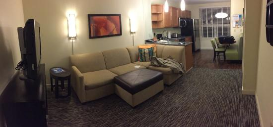 HYATT house Denver Airport: Main sitting area