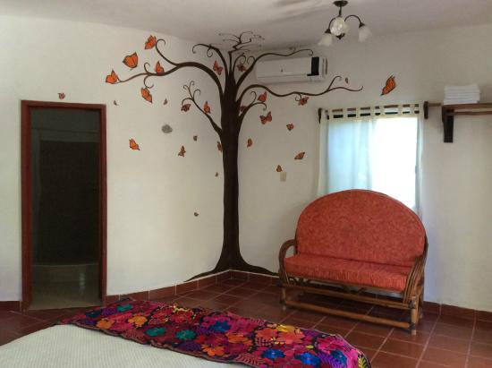 Casa Iguana Holbox: Mural monarcas