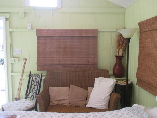 Tropical Cottages: sitting area