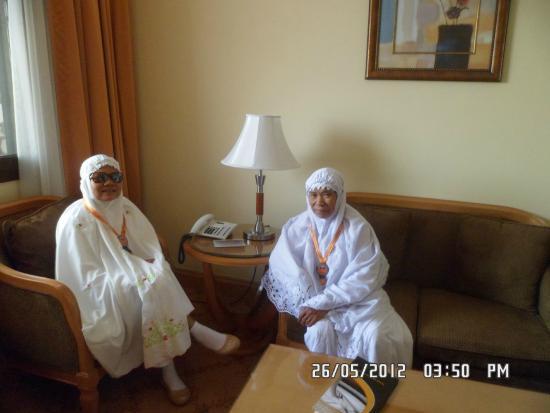 Al Haram Hotel : with nenek