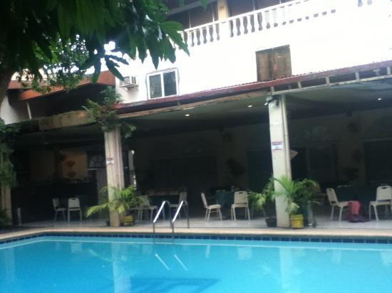 Hotel la roca tagbilaran city filippinerne hotel Tagbilaran hotels with swimming pool