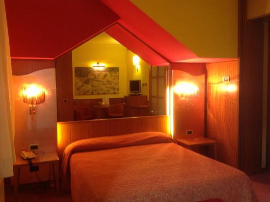Hotel motel futura paderno dugnano italie voir les for Motel bas prix