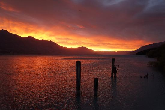 Kinloch Lodge: Sunrise. Woke up to this beaut!
