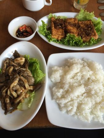 Hoa Sen: Chili ginger tofu and chili mushrooms with rice 80,000 VND and great every time. Went 10 times o