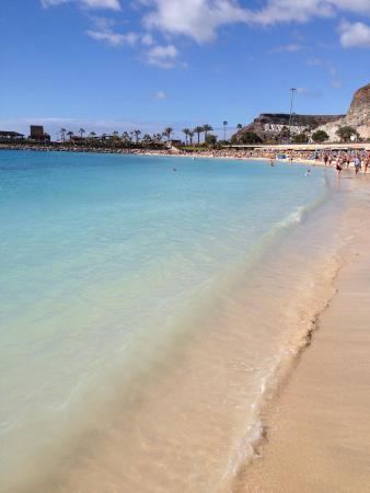 The beach at puerto rico take the glass bottom water taxi from puerto de mogan to puerto rico - Taxi puerto rico gran canaria ...