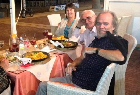 Intercontinental Restaurant: 3 happy Paella eaters