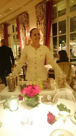 Le Bristol Paris: smile of the real hospitality