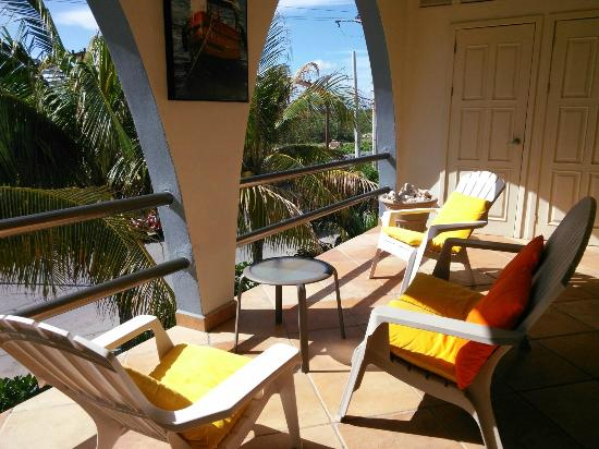 Casa Luna Turquesa: Sunny porch
