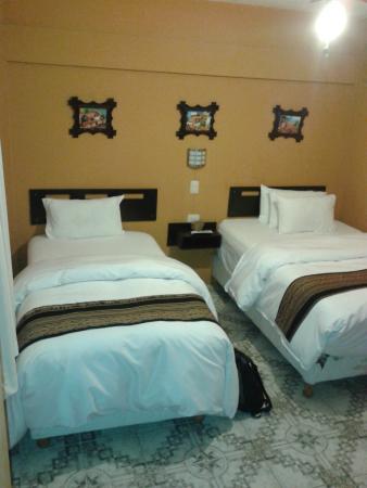 Kantu Inn - Machu Picchu : dos camas bien grandes con buenas mantas