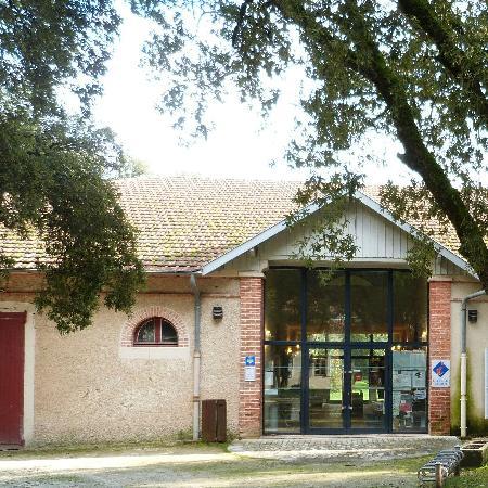 Office de tourisme fouras les bains rochefort ocean picture of office de tourisme rochefort - Rochefort office de tourisme ...