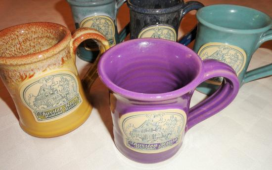 Thurston House Bed and Breakfast: Our breautiful mugs from Deneen Pottery