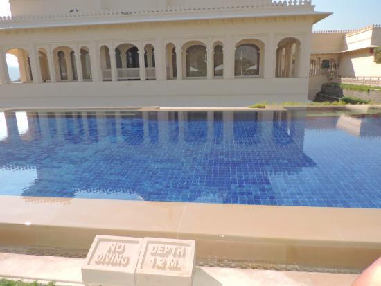 The Oberoi Udaivilas: spa pool