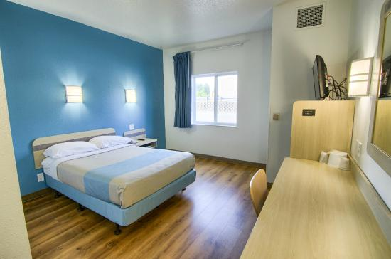 Motel 6 Portsmouth: Guest Room