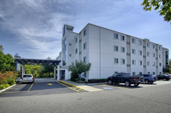 Motel 6 Portsmouth: Exterior