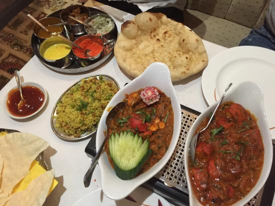Roshni: The best Indian I've tried in a long time.......
