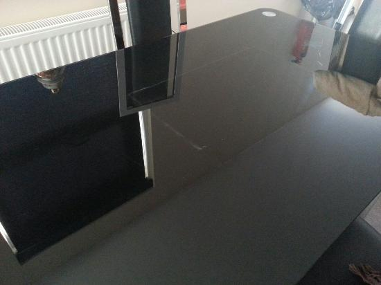 Auchenlarie Holiday Park: Dust on dining table