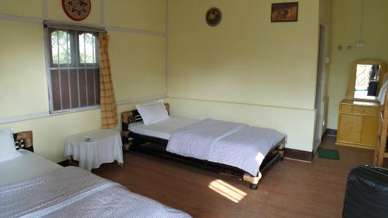 Florican Cottages: cottage from inside