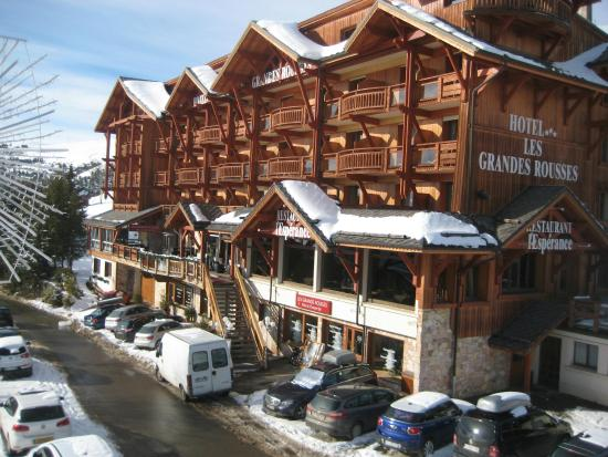 Hotel  Grandes Rousses : Great facade with lovely views
