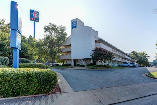 Motel 6 Memphis Downtown : Exterior
