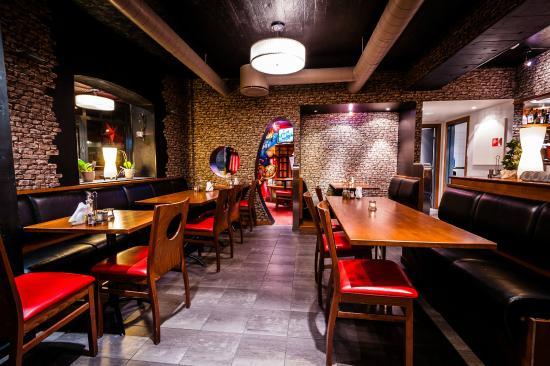 interiør mot barnerom - Picture of Brygga Pizza Restaurant Og Bar ...