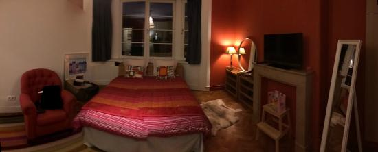 La Tour de Bebelle B&B: Room