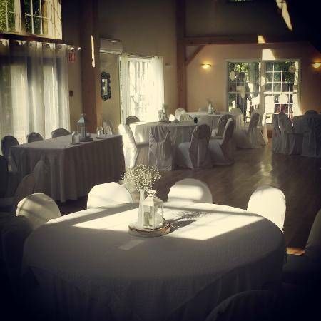 Timber House Resort: Wedding Setting with the Sun shining in