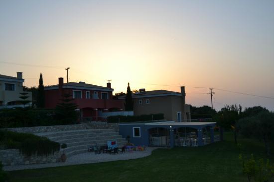 Carme Villas : Evening sun