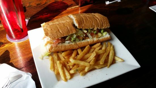 Blue Orleans Creole Restaurant-Downtown: Tasty poboy